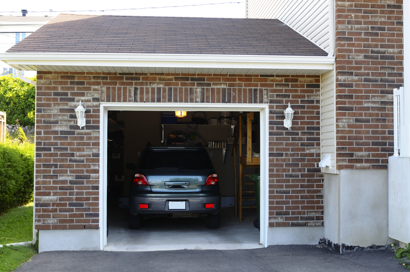 Stavba garáže svojpomocne alebo na kľúč? Čo sa vám opláca viac?