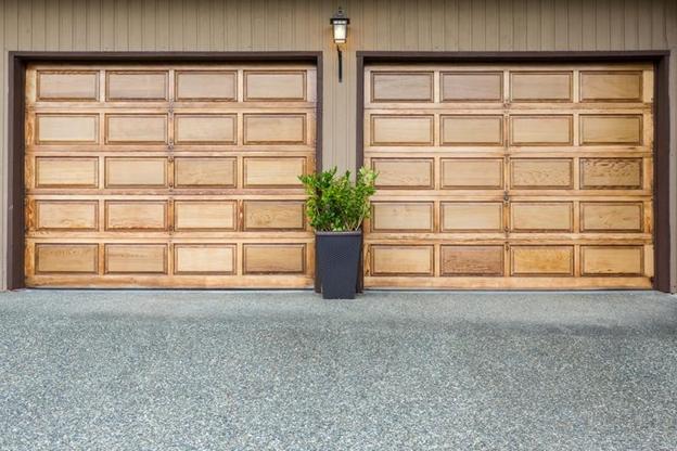 Tieto dizajny garážových brán nás zaujali