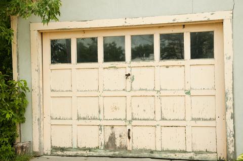 Ako vylepšiť garáž a garážovú bránu