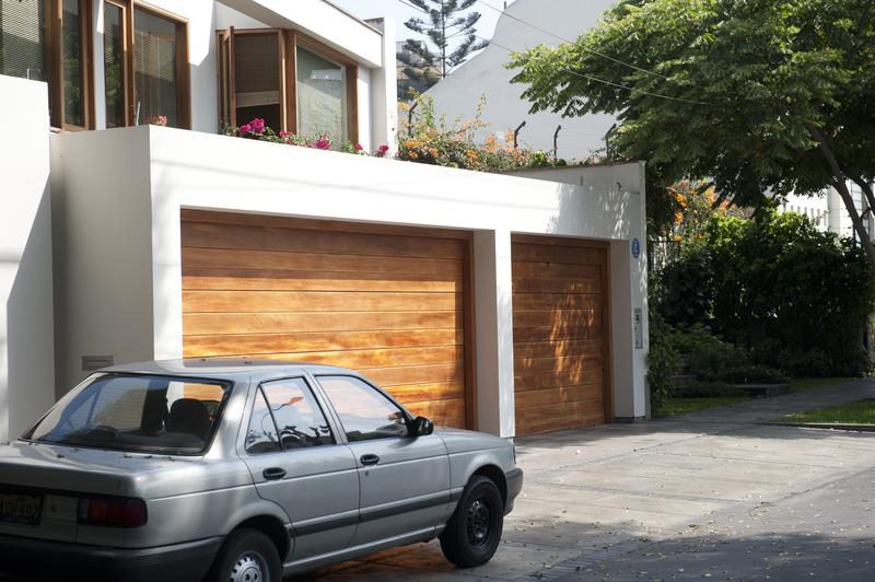 Ako nájsť tú pravú: Sprievodca výberom garážovej brány (2. časť)
