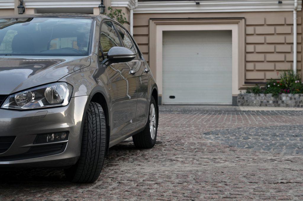 Aké rozmery má mať garážová brána? Radšej sa pred kúpou zamyslite