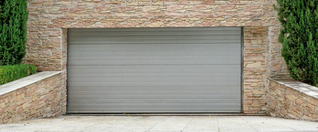 Pohony garážových brán. Aký si vybrať pre svoju bránu?