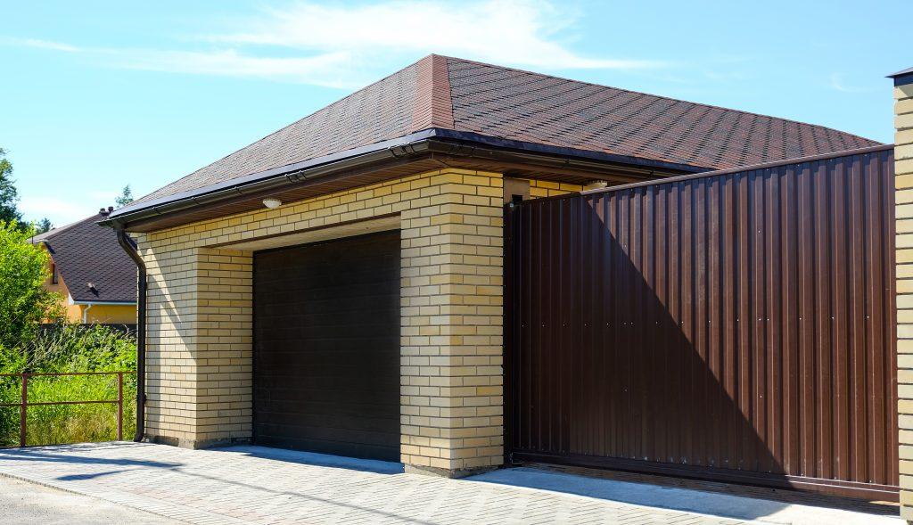 Ako si vybrať z krytín na strechu garáže?